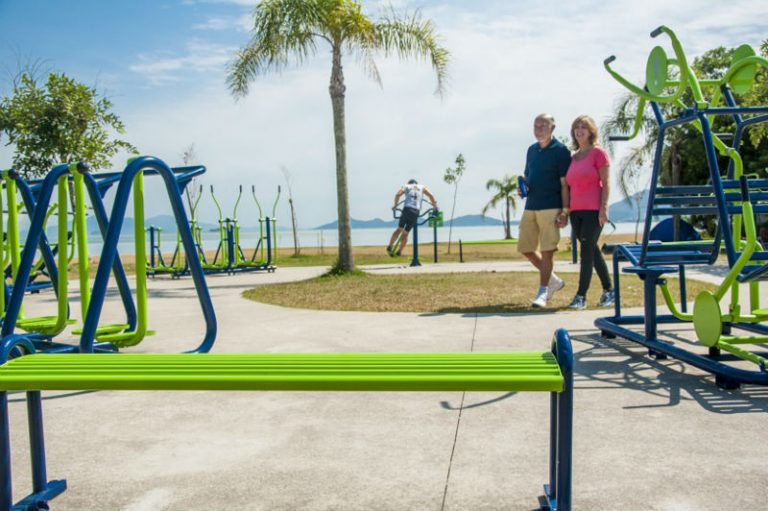 Ejemplos de aparatos de ejercicio en parques parques for Aparatos de ejercicio
