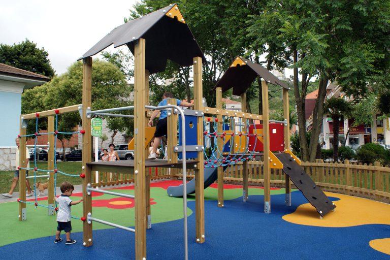Juegos para parques infantiles parques alegres i a p for Parques de barcelona para ninos