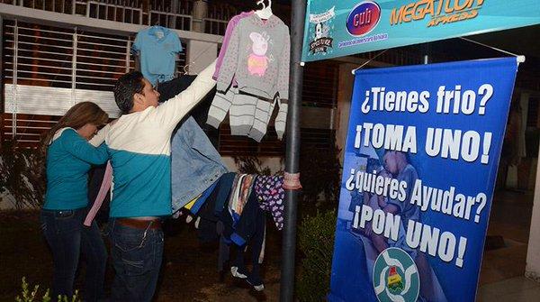 Ayuda necesitados ropa