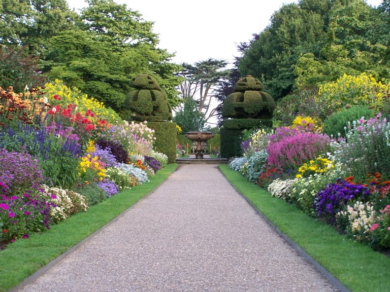 Resultado de imagen para parques con flores